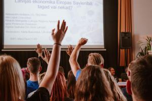 Publiskā diskusija ar Saeimas frakciju pārstāvjiem
